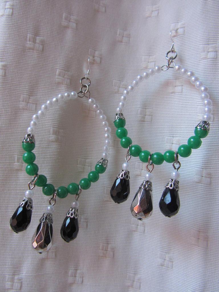 Orecchini smeraldo a cerchio