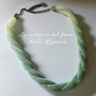 Collana torchon 3 fili rete tubolare stile Stardust sfumature di verde