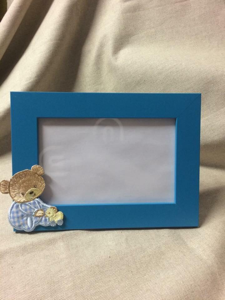 Cornice azzurra neonato