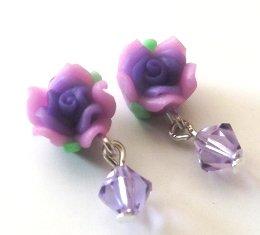 Orecchini con fiore in fimo e cristallo su perni in plastica anallergici idea regalo