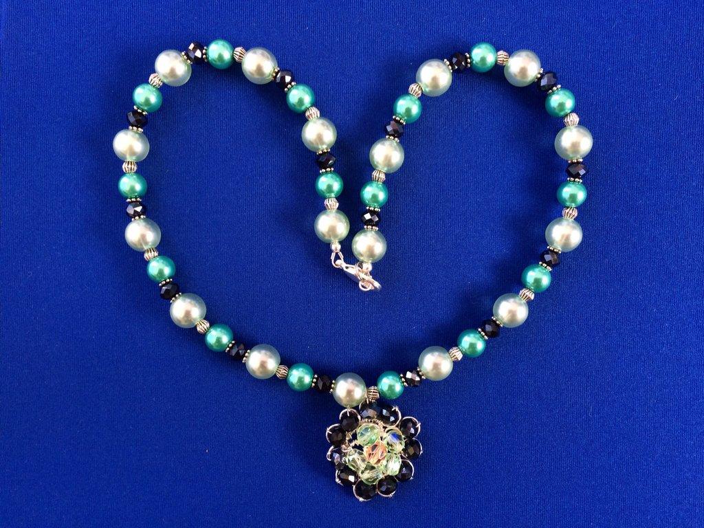 Collana Girocollo con ciondolo Wire con Perle cerate in vetro e cristalli