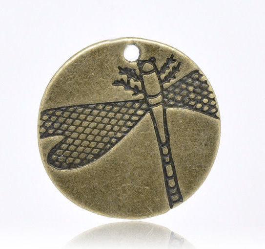 Charm tondo con libellula 19mm bronzo 20 pz