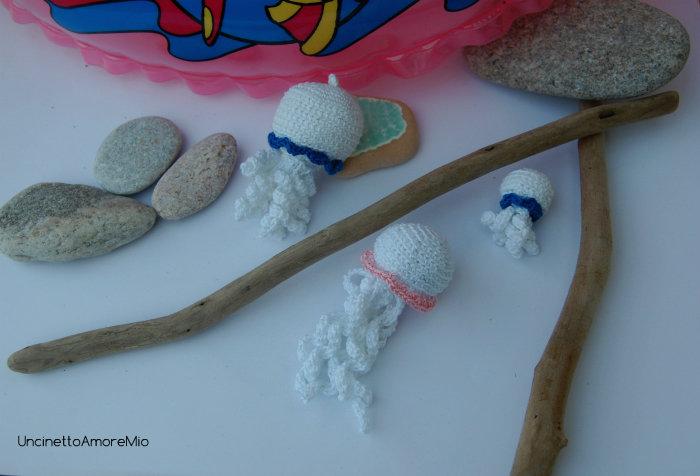 Tre Meduse amigurumi in dimensioni differenti - decorazioni , giocattoli, bomboniera originale per nascita e battesimo, regalo