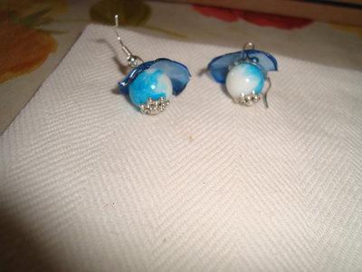orecchino perla azzurra