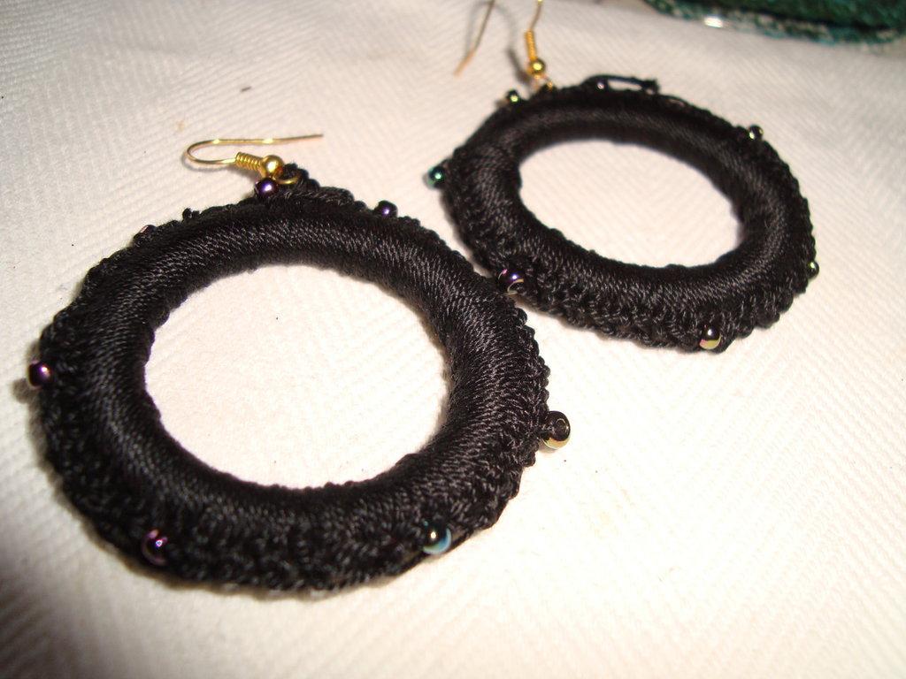 orecchini cerchio neri