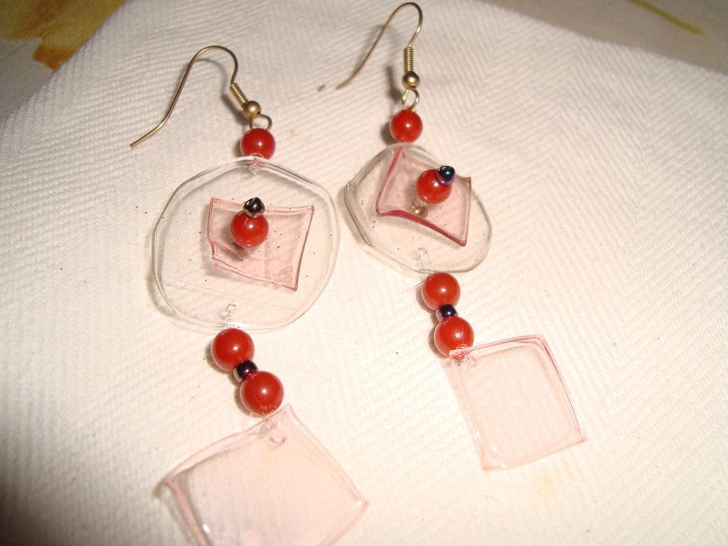 orecchini pendenti, petali rosa, trasparenti