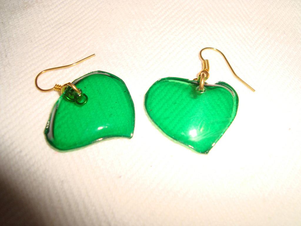 Orecchini cuore verde trasparenti