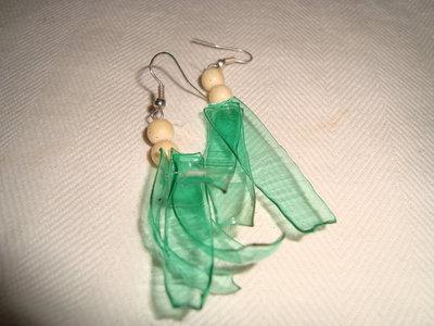 Orecchini verdi trasparenti