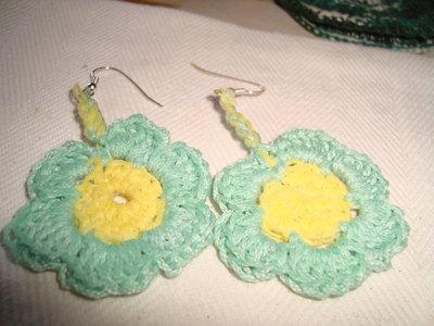 Orecchini fiore verde e giallo