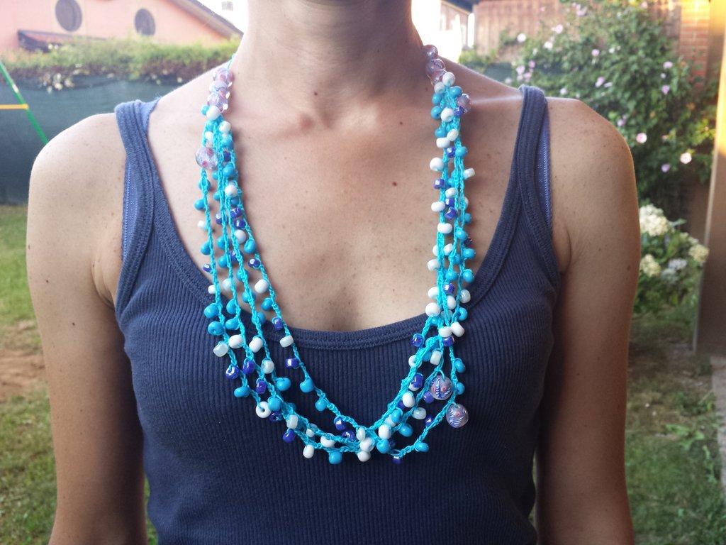 Collana in cotone azzurro