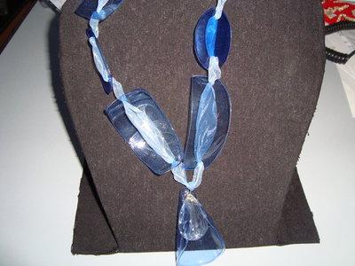 grandi petali azzurri ciondolo cristallo