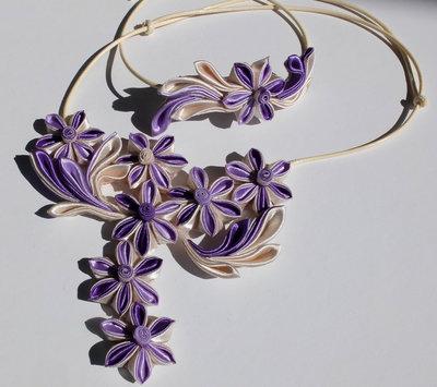 Collana kanzashi fatta a mano colore panna,lilla per Michela