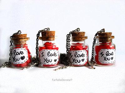 Collana miniature cuori in piccola bottiglia, realizzati a mano in porcellana fredda