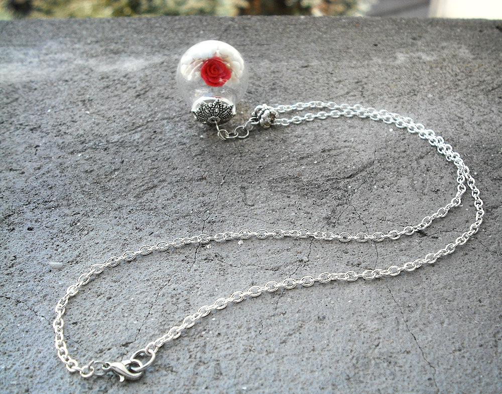 Collana Pendente Rosa nel Vetro modellata a mano in Porcellana Fredda, lunga 30 cm.