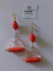 Orecchini arancioni con due elementi in resina