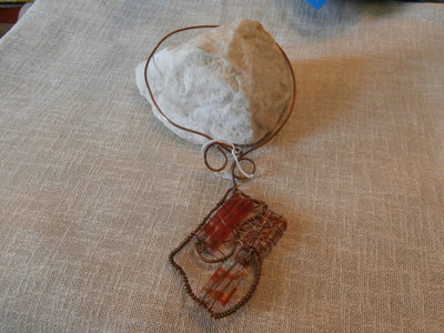 COLLANA RIGIDA WIRE CON PIETRE ROSSE DEGRADE'