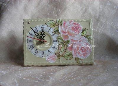 Orologio da tavolo rettangolare con rose