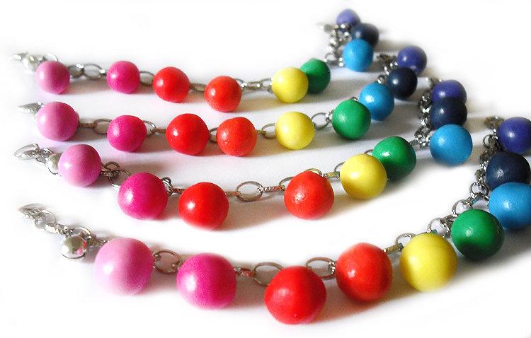 Bracciale perle arcobaleno modellate a mano in porcellana fredda