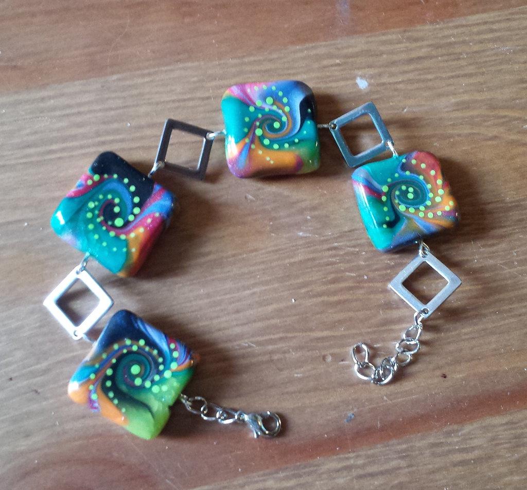 Bracciale in fimo con quadrati colorati e rombi