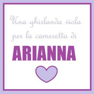 Arianna: una ghirlanda di lettere imbottite sui toni del viola per decorare la cameretta.