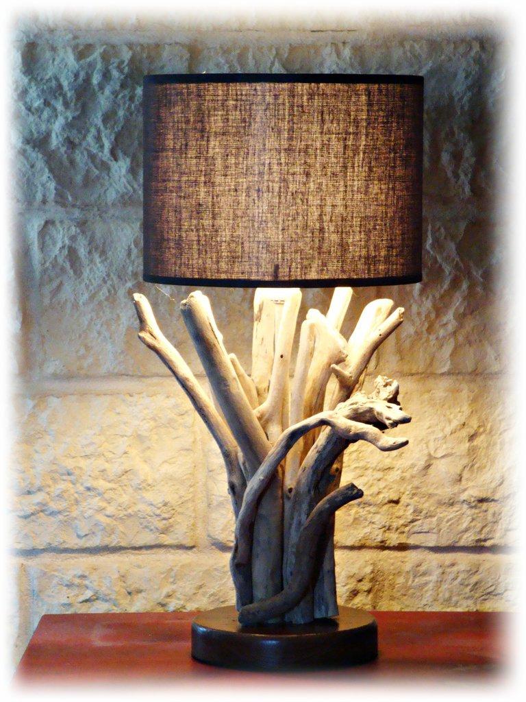 ENRIKA lampada da tavolo con legni di mare