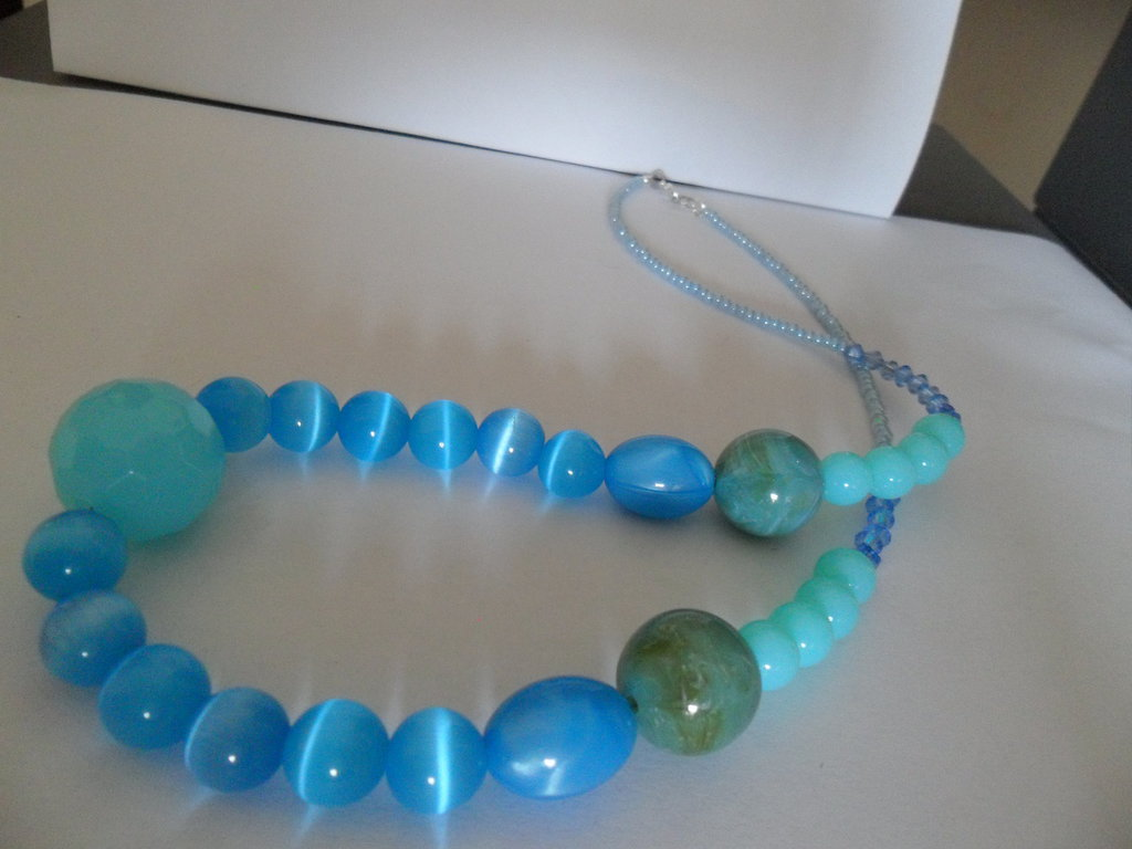 Collana estate celeste di perle
