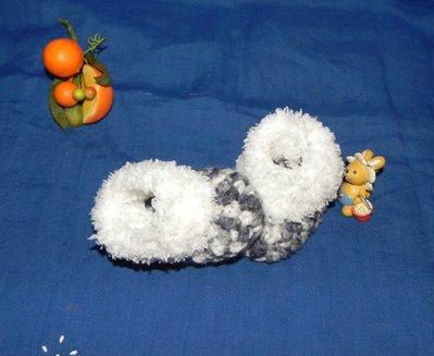 Scarponcini con pelliccetta bebè realizzati ad uncinetto