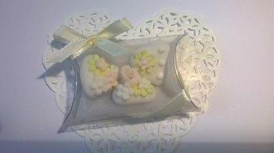 confettata matrimonio, confetti decorati in rosa e giallo