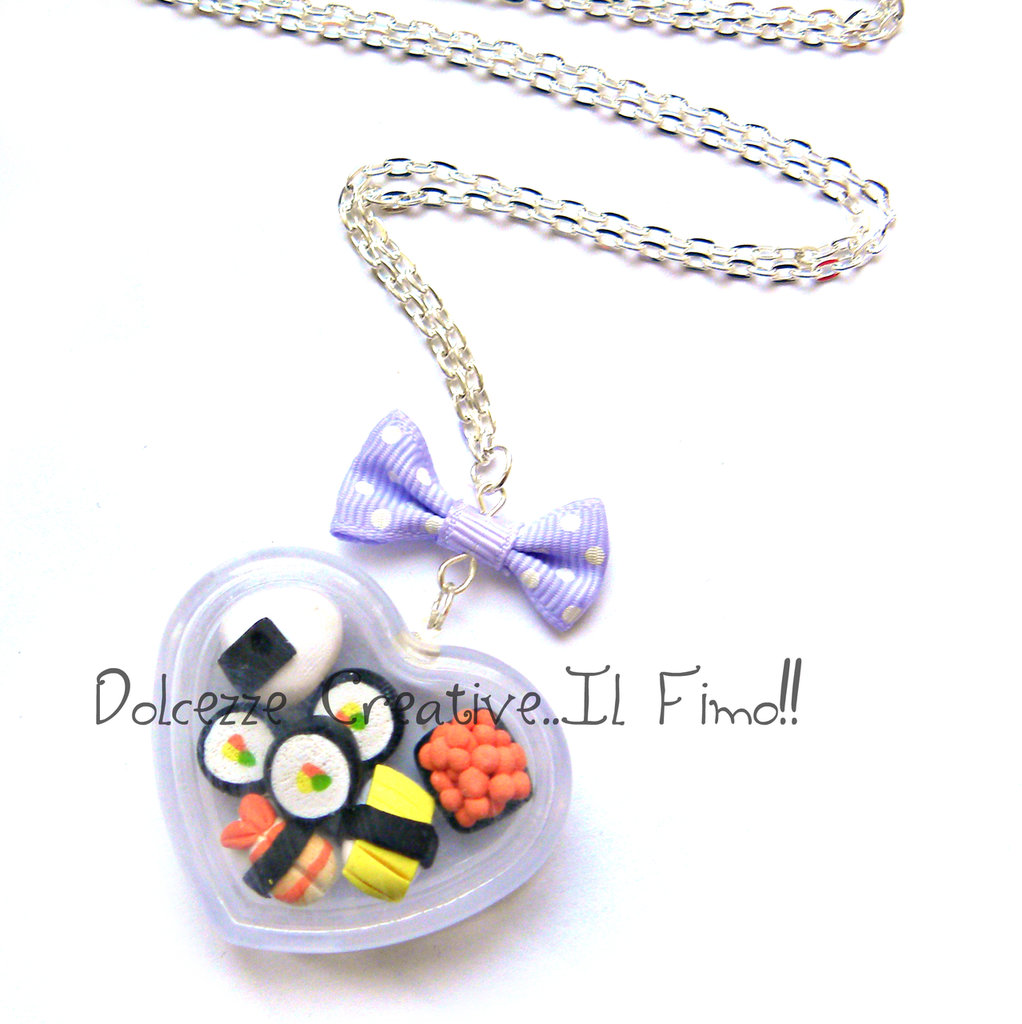 Collana Sushi cuore con Fiocco a pois Japan Sushi Ikura, kappa maki, Ebi, Tamago, Onigiri Sashimi