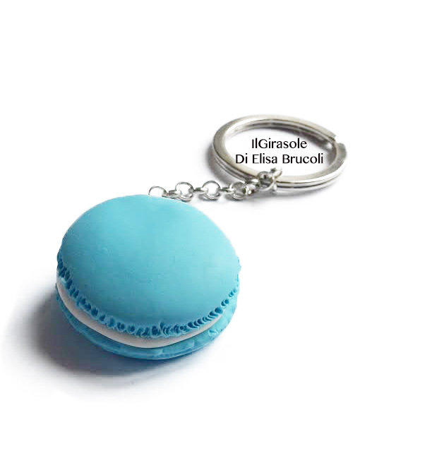 Portachiavi con Macaron blu pastello in fimo