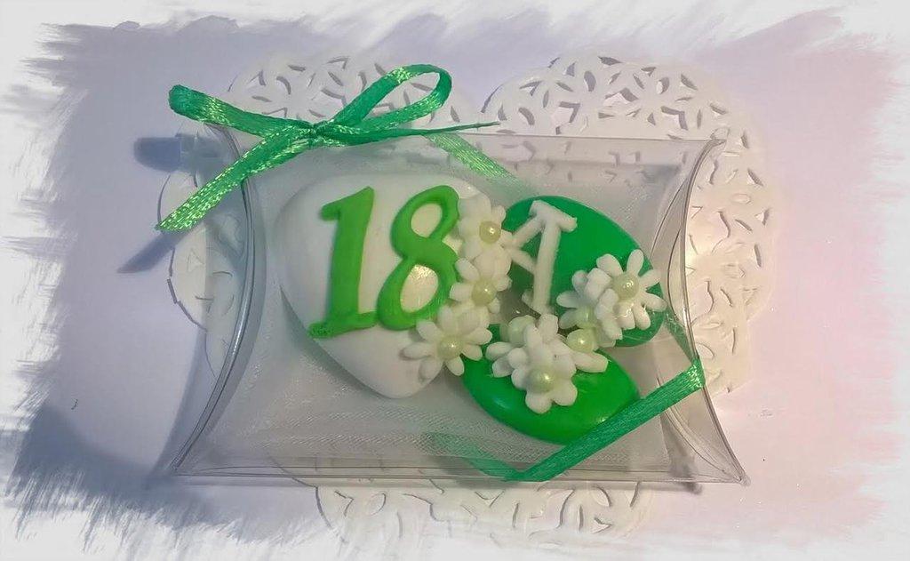 confettata diciottesimo, confetti decorati, festa compleanno, margherite bianche