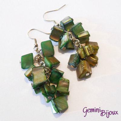 Orecchini con pietre di madreperla verde