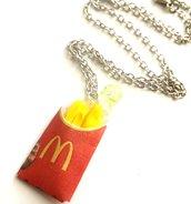 Collana patatine mcdonald in fimo con confezione in carta originale idea regalo
