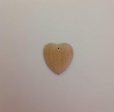 Cuore in legno grezzo con foro in alto