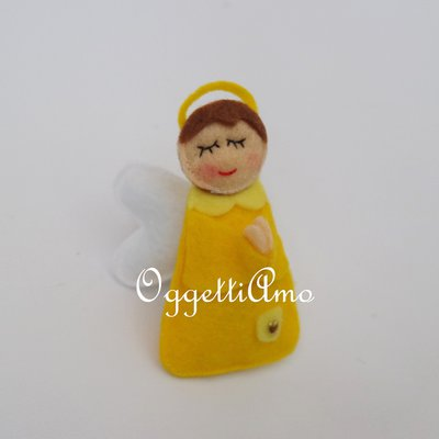 Angeli in feltro per le vostre bomboniere: con calamita o nastrino per decorazioni tenere ed originali!