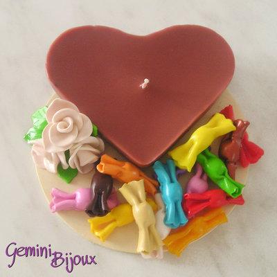 Candela a cuore con caramelle di fimo