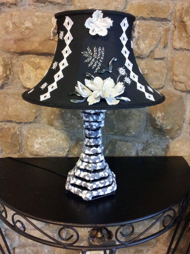 Originale lampada fatta a mano