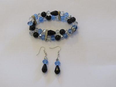 bracciale elastico con cristalli e pietre coordinato con orecchini