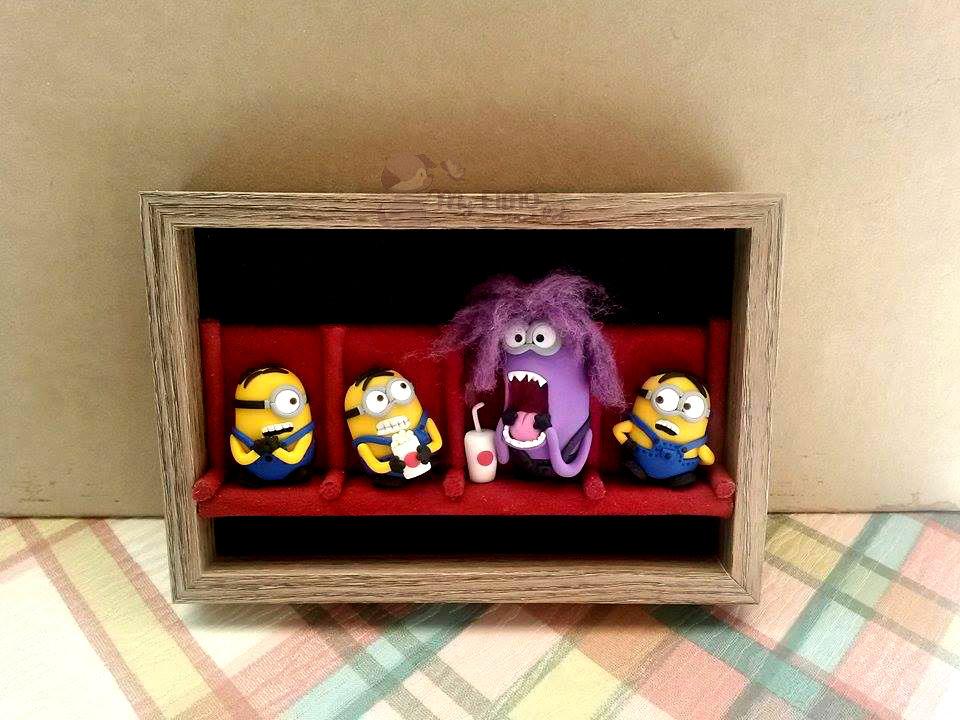 Quadretto-cornicetta con Minions e Evil Minion al cinema fimo