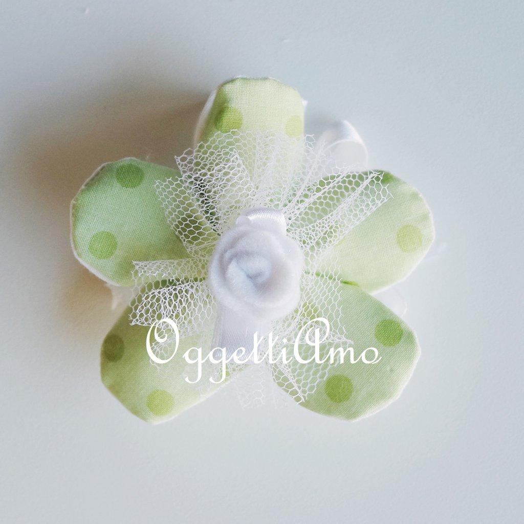 Fiori portaconfetti in cotone: bomboniere eleganti e semplici per presentare i vostri confetti