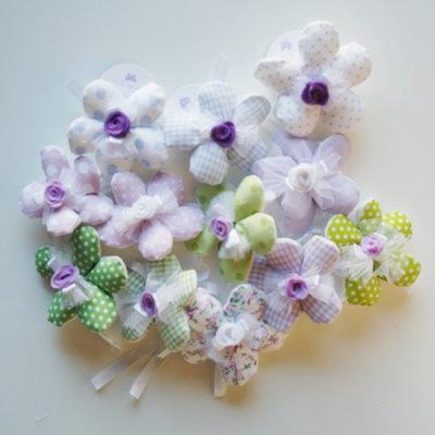 Set 30 Fiori porta confetti in stoffa fantasia a pois, quadretti e fiori lilla, celesti e verdi: una soluzione shabby chic per le vostre bomboniere
