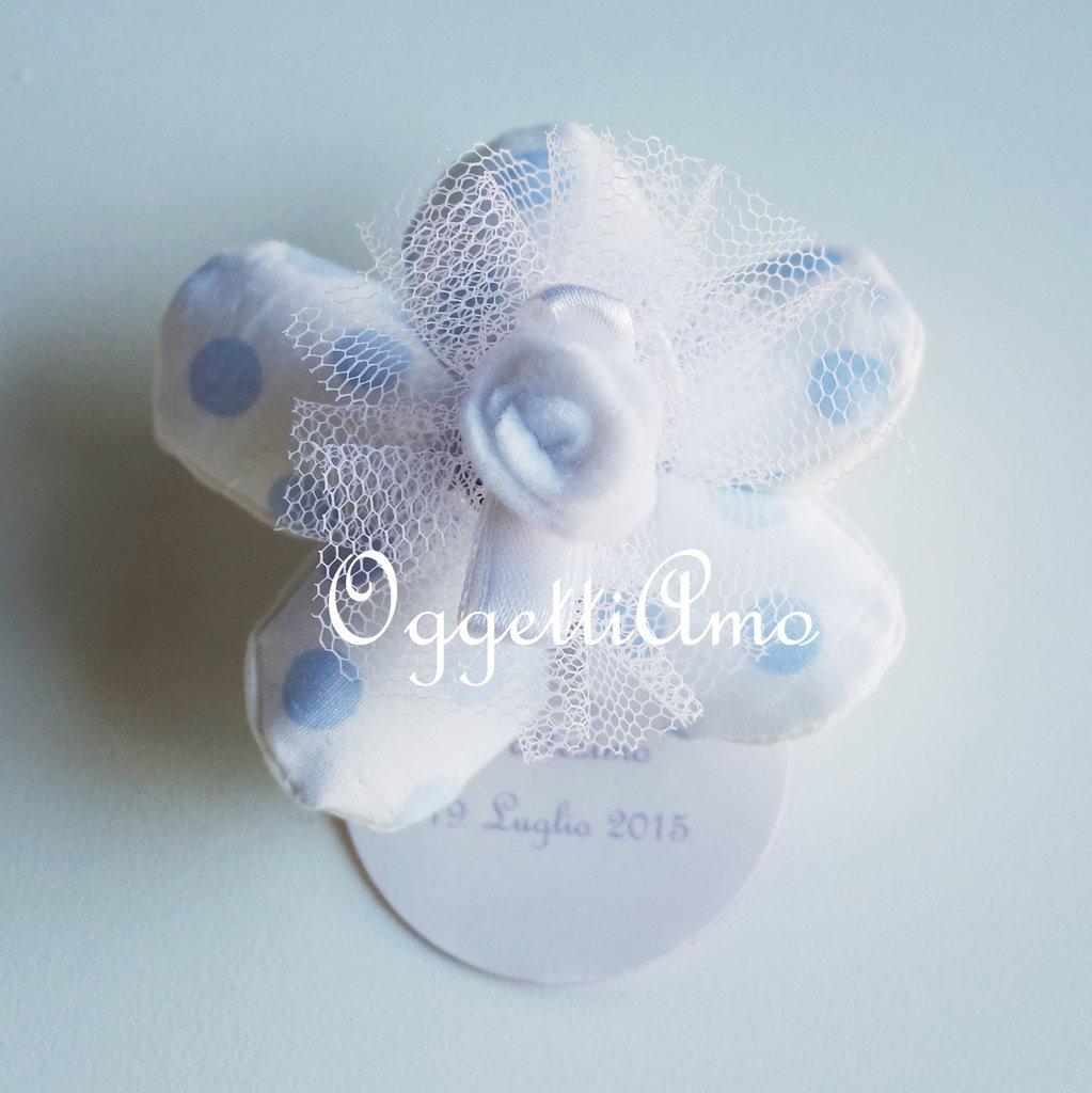 100 Fiori porta confetti in stoffa a pois, quadretti e fiori celesti: una soluzione shabby chic per le vostre bomboniere!