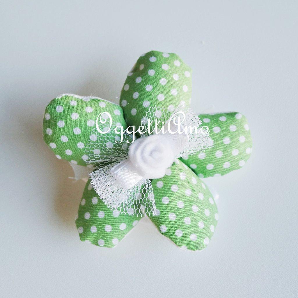Set 50 Fiori porta confetti in stoffa fantasia a pois, quadretti e fiori verdi: una soluzione shabby chic per le vostre bomboniere