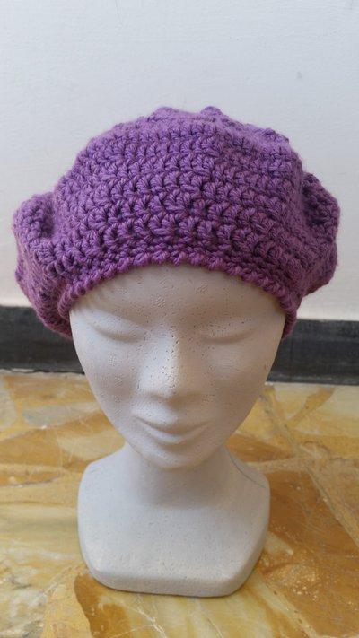 Cappello lilla modello basco
