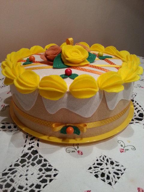 Copri torta decorato in feltro, cake design
