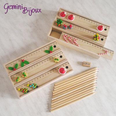 Natale: Set matite in legno con decorazioni in fimo