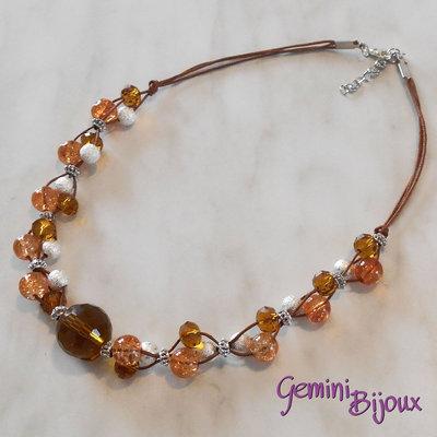 Collana cordino marrone con perle e rondelle