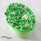 """Bomboniera matrimonio scatola ovale con decorazione """"preziosa"""" in fimo e pietre, fatto a mano"""