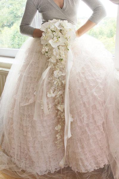 Bouquet gioiello orchidee e cristalli realizzato a mano