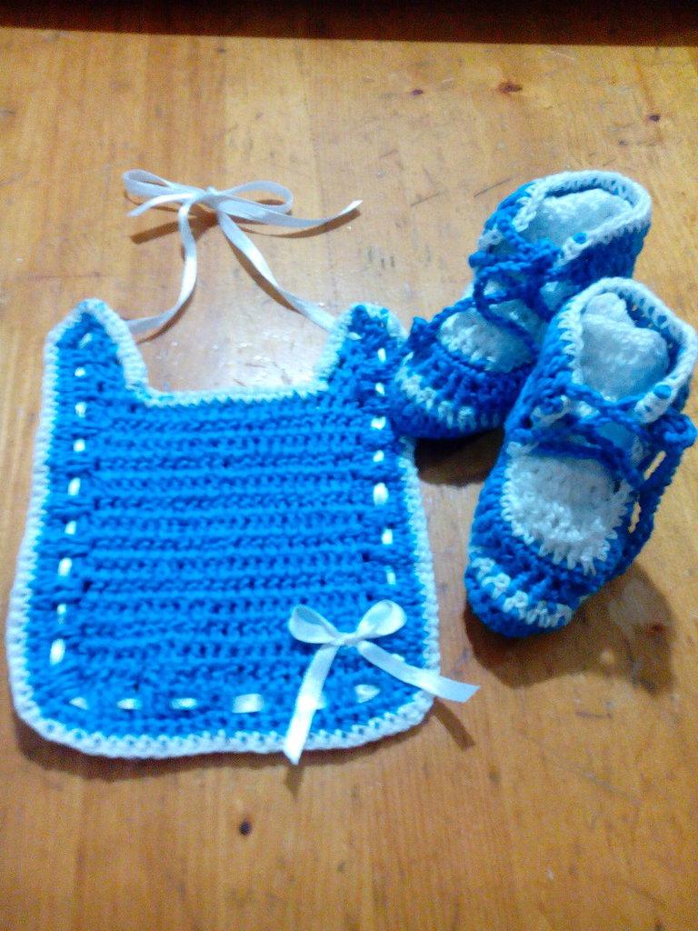 Completini neonati fatti a mano